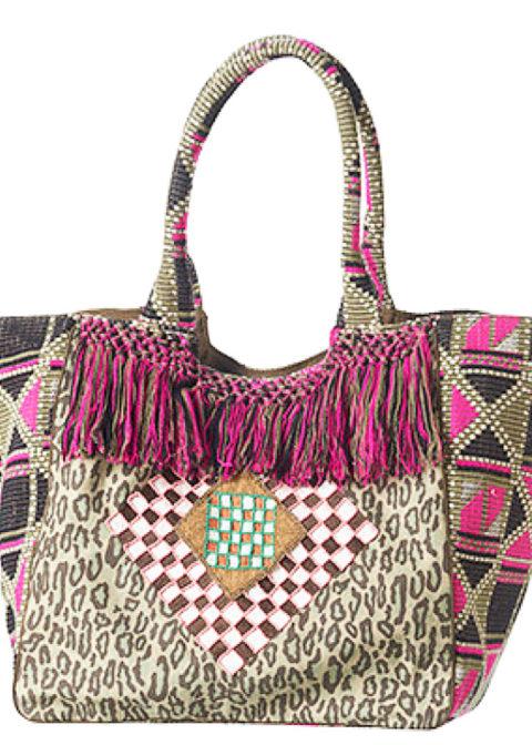 Inga-leo-pink-Maya